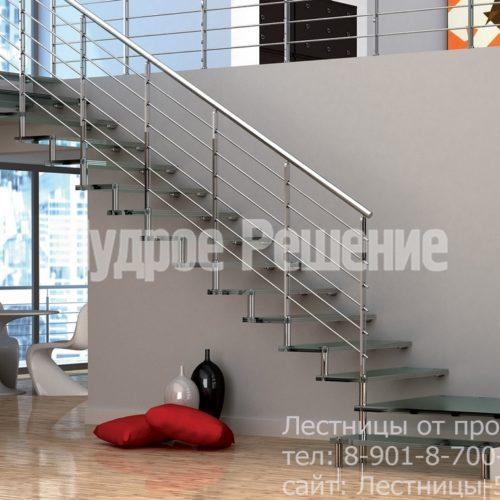 Лестница на больцах на второй этаж металлическая