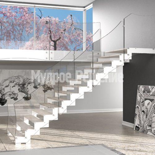 Металлическая лестница на заказ белая
