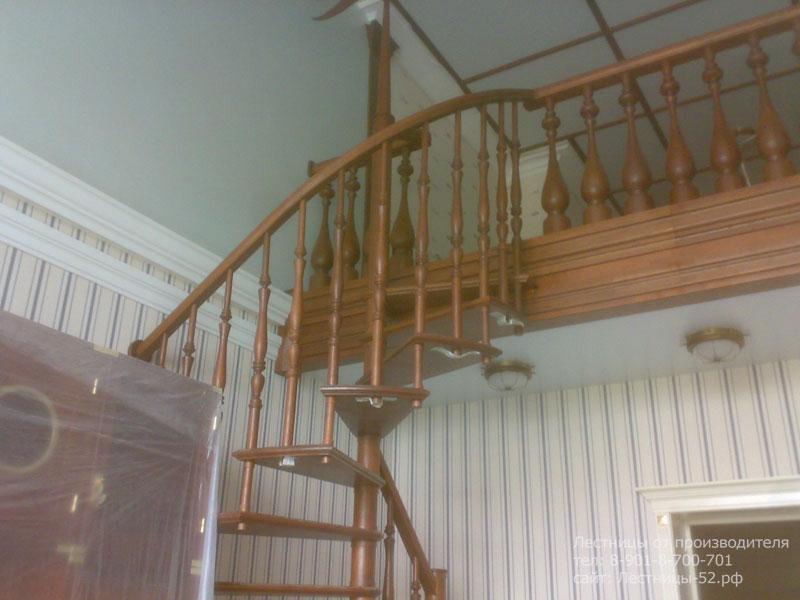 Фото деревянной лестницы в Сеченове