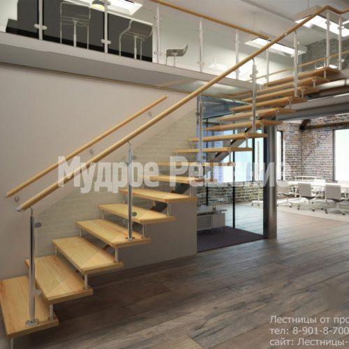 Деревянная лестница на монокосуаре