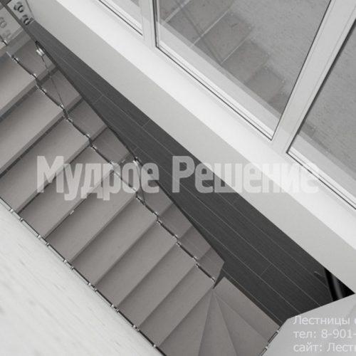 Серая консольная лестница 2