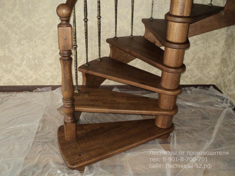 Готовая винтовая деревянная лестница